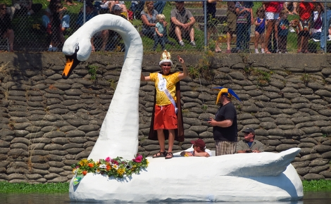 Healdsburg Water Carnival Sandy the swan